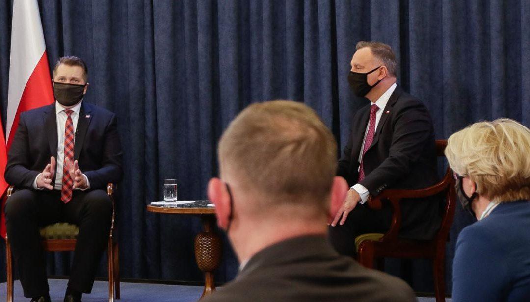 Powrót uczniów do szkół – sesja pytań i odpowiedzi w Pałacu Prezydenckim